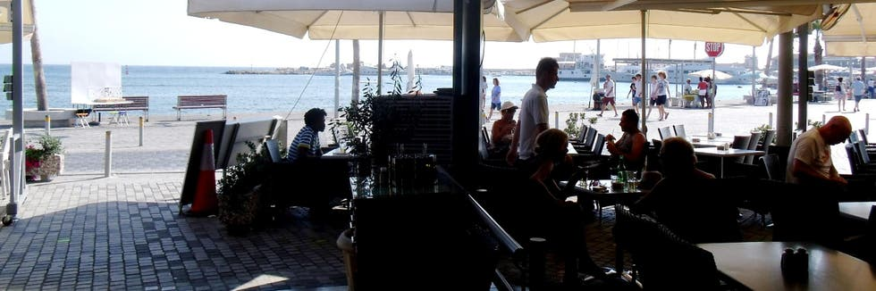 Ferry en Café-Restaurante The Harbour