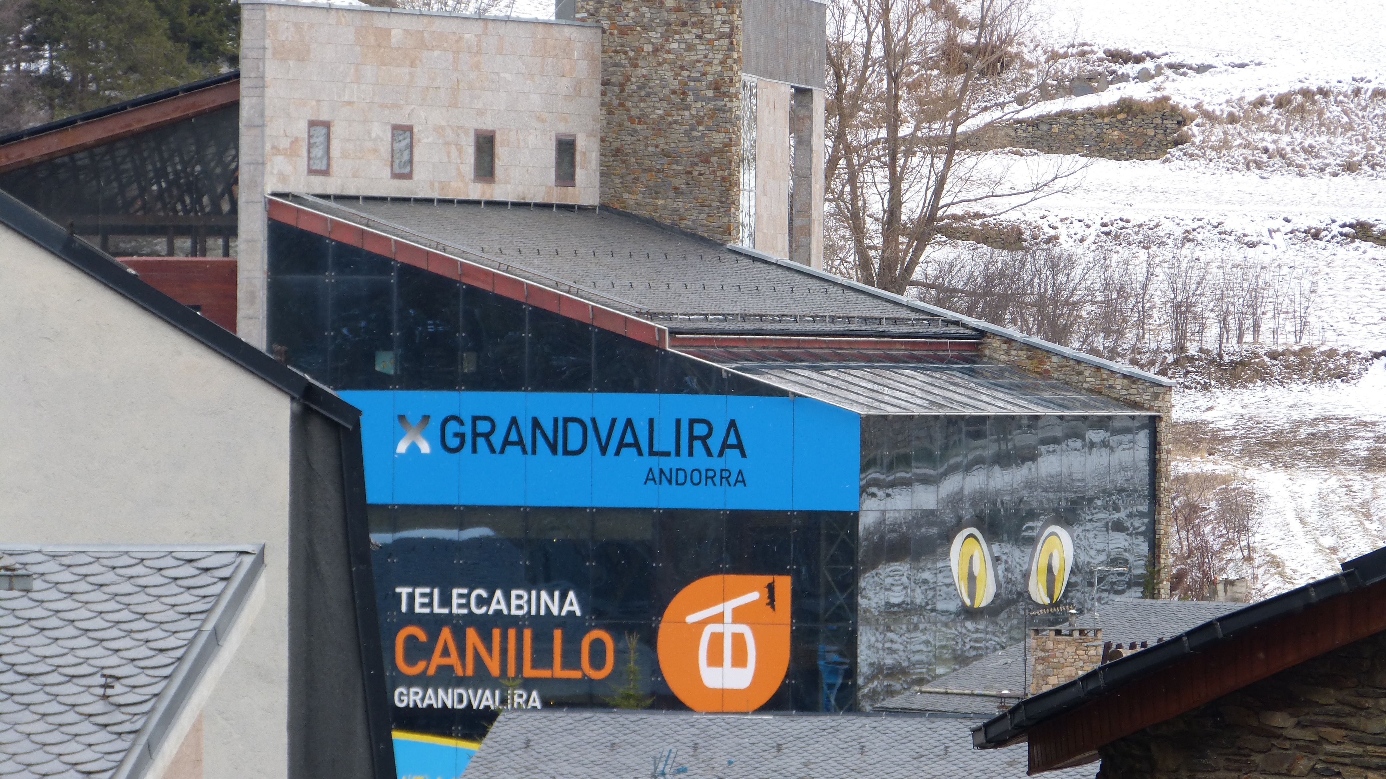 Signage in Telecabina Canillo