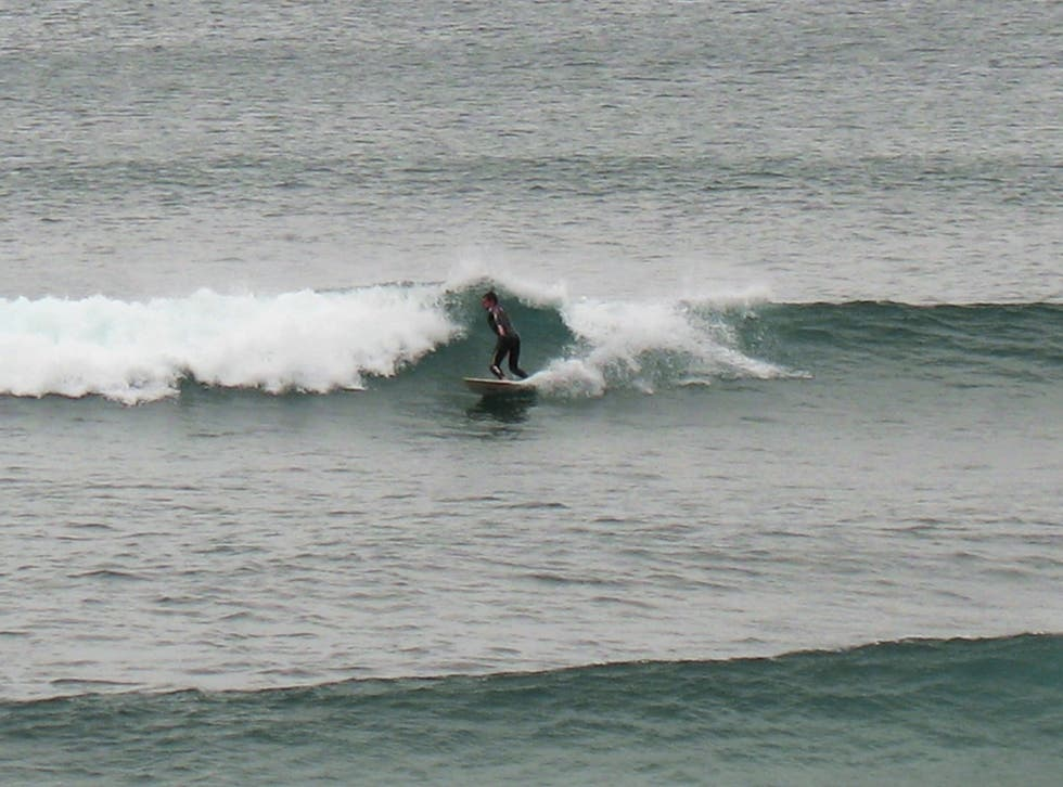 Surf en Playa de Santa Barbara