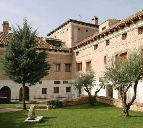 Fotos de finca en hotel jardin de la abadia arroyo de la for Finca villa jardin piedecuesta