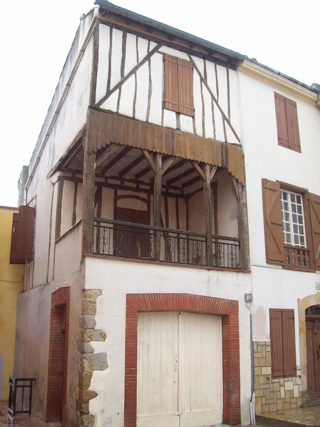 Commercial Building in Carla-Bayle
