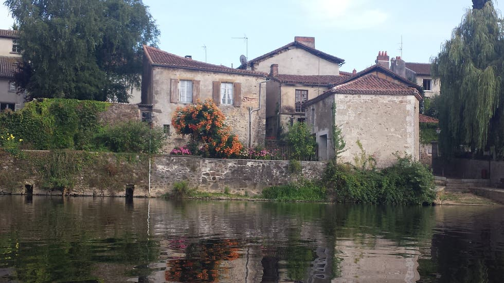 Canale a Confolens