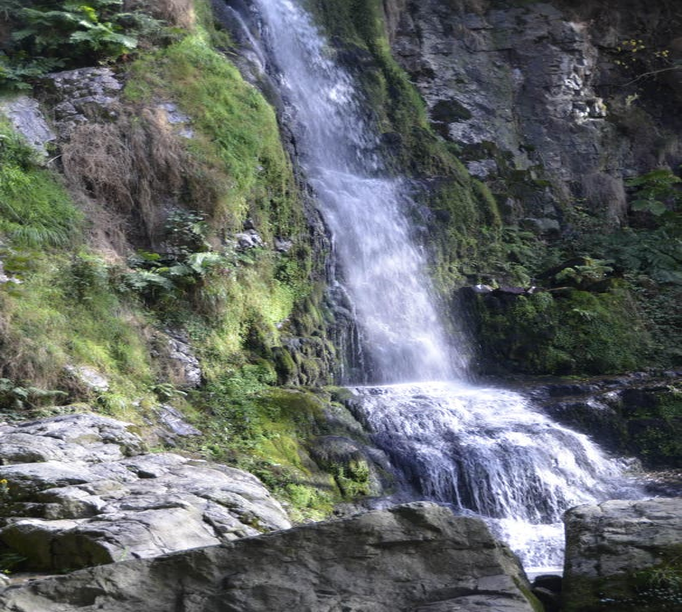 Catarata en Las Cascadas de Oneta