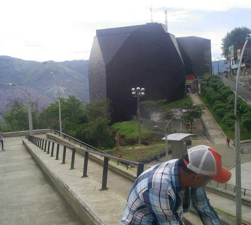 Canal en Metrocable, línea K