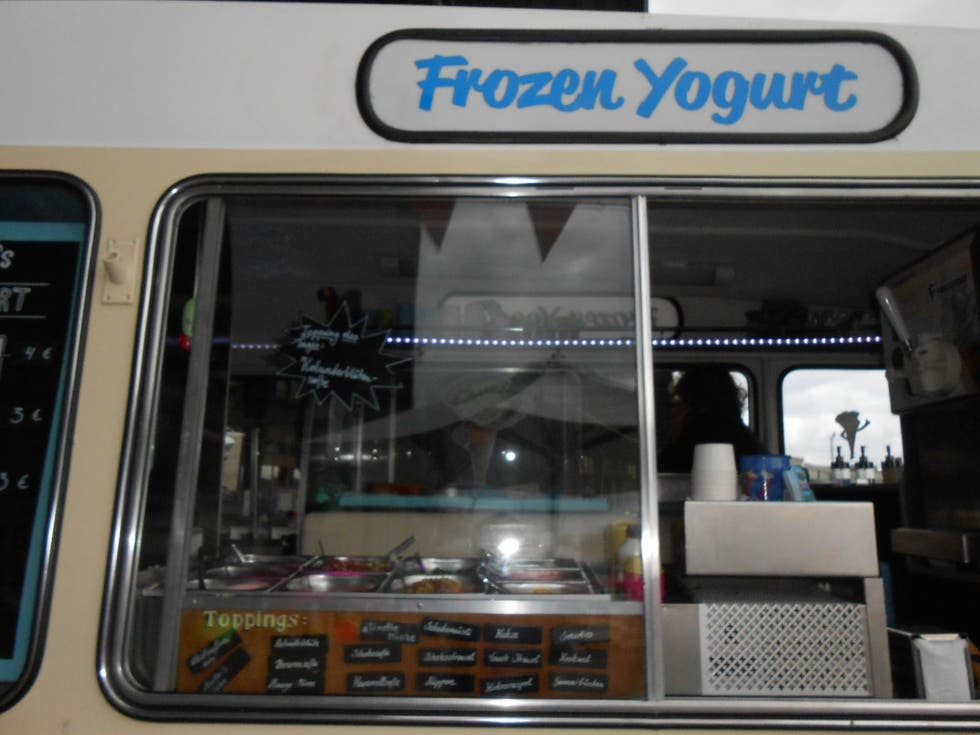 Transporte en Mr. Whippy' Frozen Yogurt Truck
