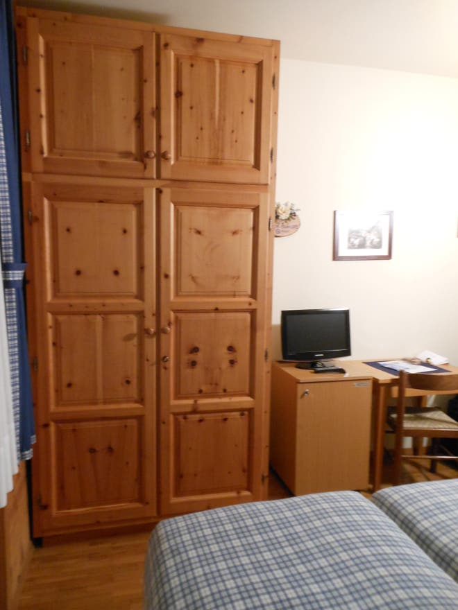 fotos de casa rural en hotel meubl della contea bormio 8183181. Black Bedroom Furniture Sets. Home Design Ideas
