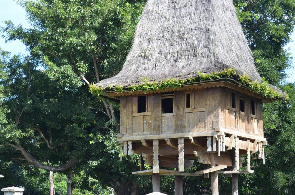 Tree House in Lospalos