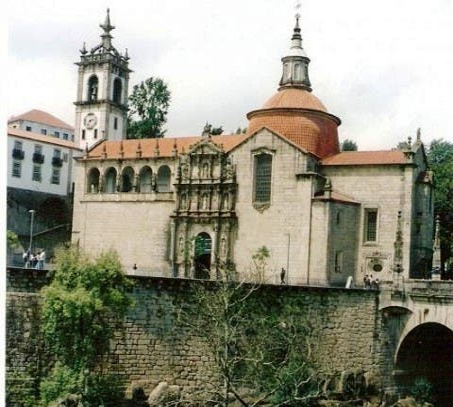Villa en Convento e Iglesia de San Gonzalo
