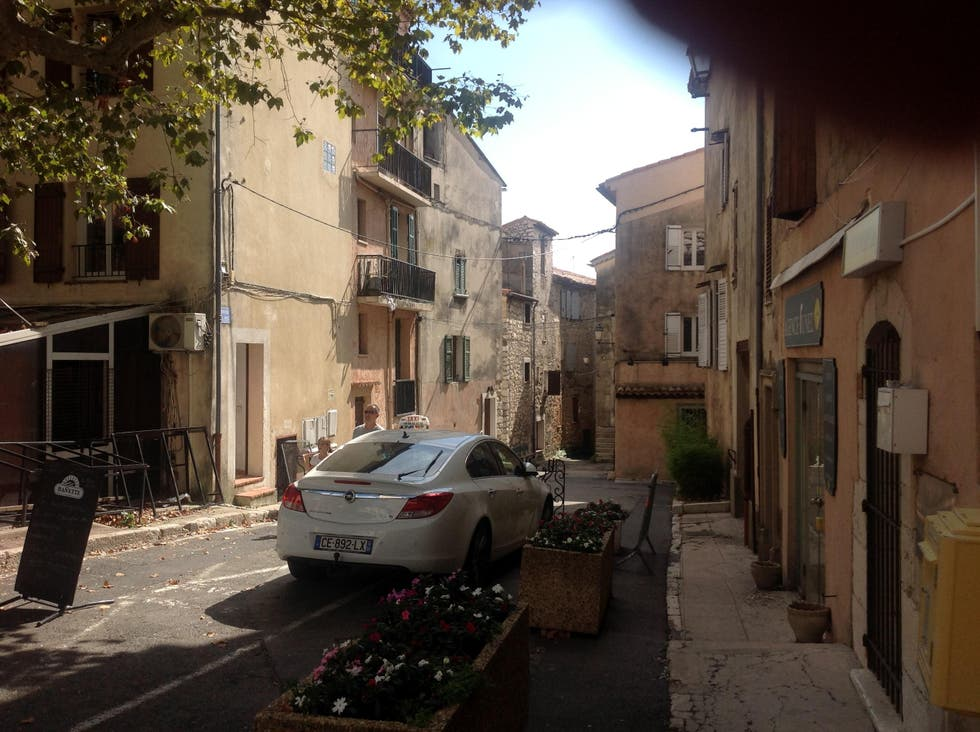 Barrio en Saint-Vallier-de-Thiey