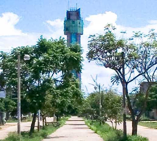 Ciudad en Obelisco (mirador turistico)